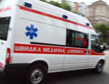 Моторошна ДТП: дві машини влетіли в будинок, багато постраждалих