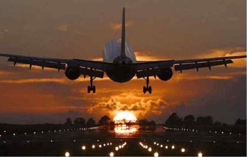 Помер прямо на борту літака: пасажир не долетів додому всього кілька годин