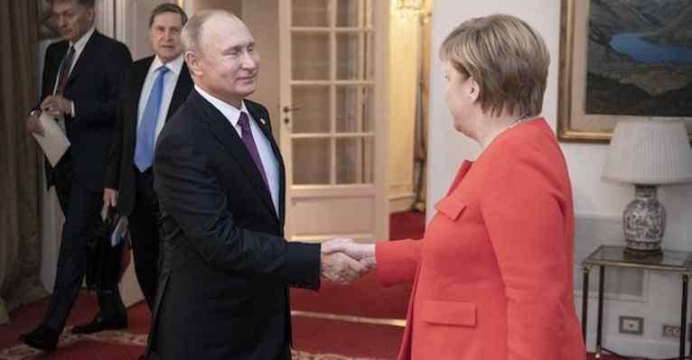 Вирішили долю Азовського моря? Повідомили подробиці зустрічі Путіна і Меркель