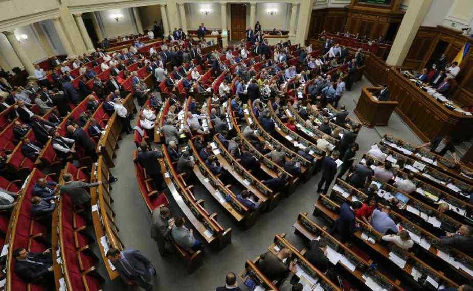 """""""Це мертва норма"""": Експерт розкритикував скандальний закон про санкції проти ЗМІ"""