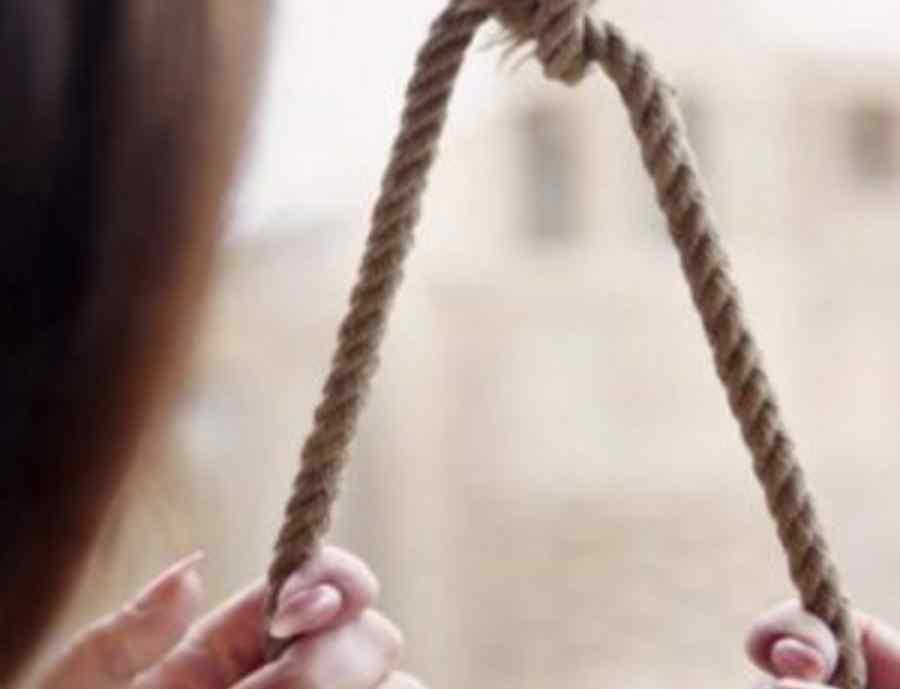 Дівчинку знайшли батьки: 8-класниця повісилась за загадкових обставин