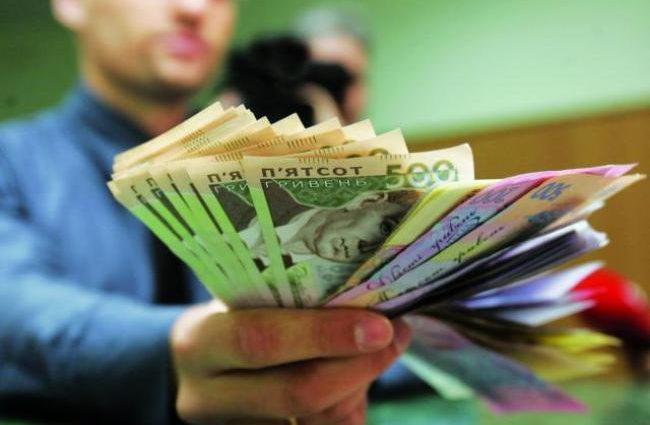 Аліменти в Україні: неплатників будуть працевлаштовувати для стягнення боргів