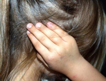 Поки батько розважався: В Києві 53-річний чоловік згвалтував двох малолітніх сестер