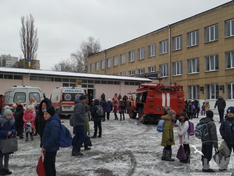 Дітей доправили до лікарні: у школі на Одещині розпилили невідомий газ