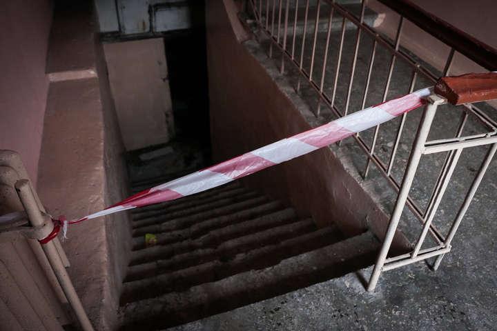 Лежало у затопленому підвалі: В Києві знайшли тіло чоловіка