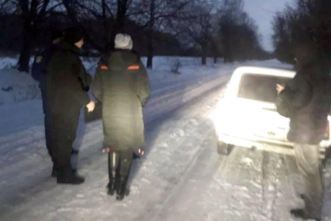Труп заховала у лісі: На Хмельниччині жінка жорстоко вбила чоловіка