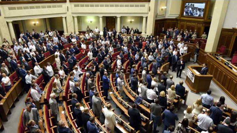 Тимошенко вигнали з партії, тому що зібрався в президенти