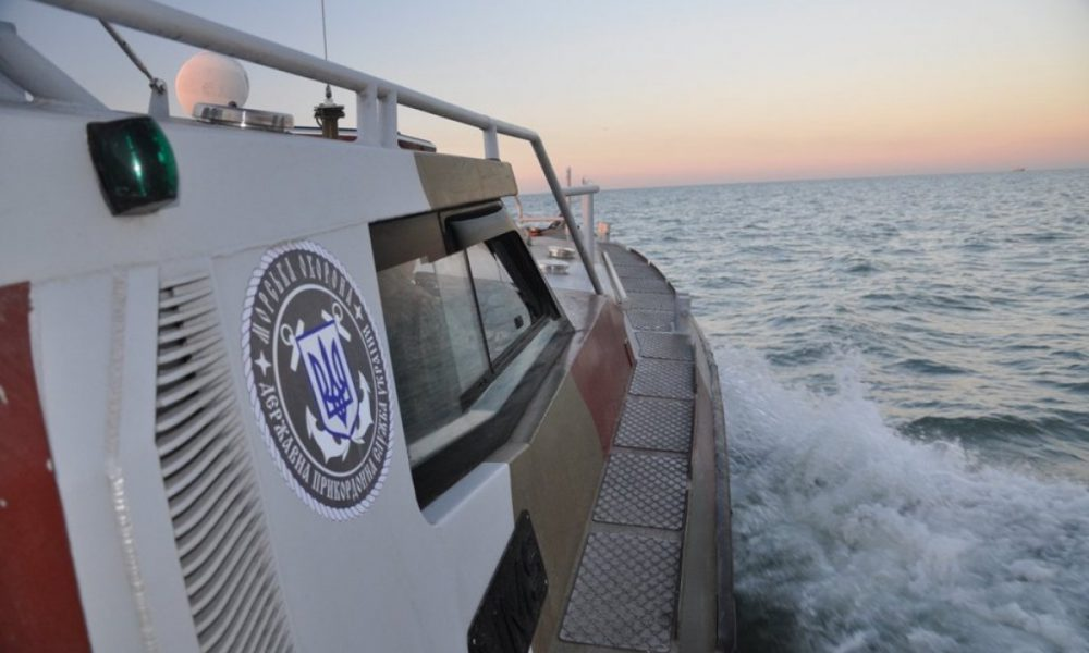 Українські прикордонники припинили зухвалі затримання кораблів в Азовському морі