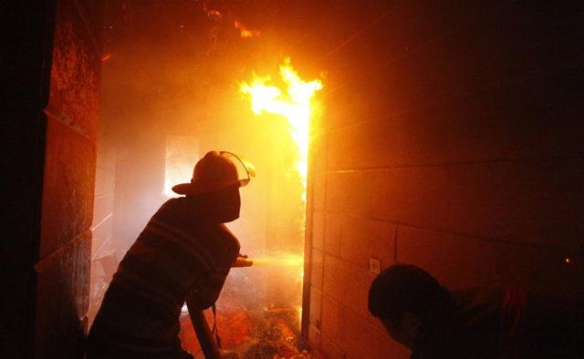 Різдво закінчилось трагедією: На Харківщині вогонь забрав життя матері і немовляти