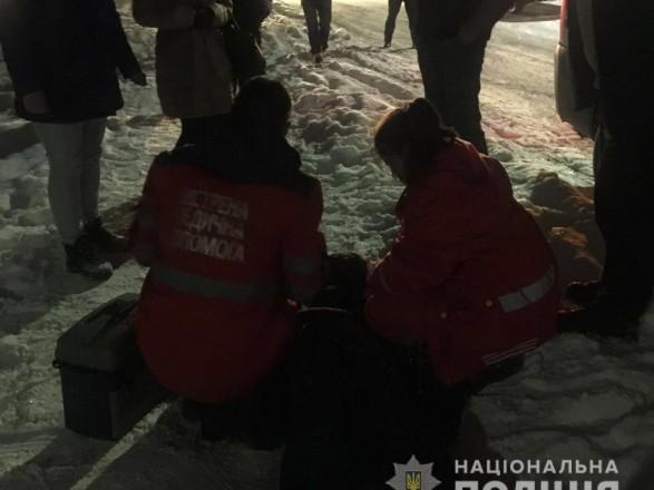 Трагічна смерть на Київщині: посеред вулиці виявили тіло чоловіка з ножовими пораненнями