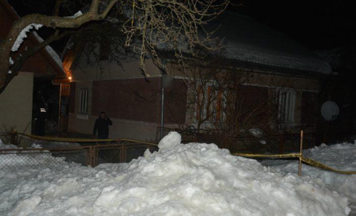 Ударив в голову, переклав на диван та пішов додому: На Сумщині 21-річний онук жорстоко вбив власну бабусю