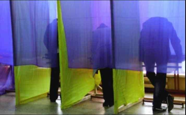 Порошенко вже не в першій трійці: хто лідирує у президентському рейтингу