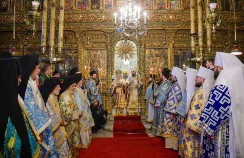 Томос-тур Порошенка продовжується: по Україні  масово розвісили білборди