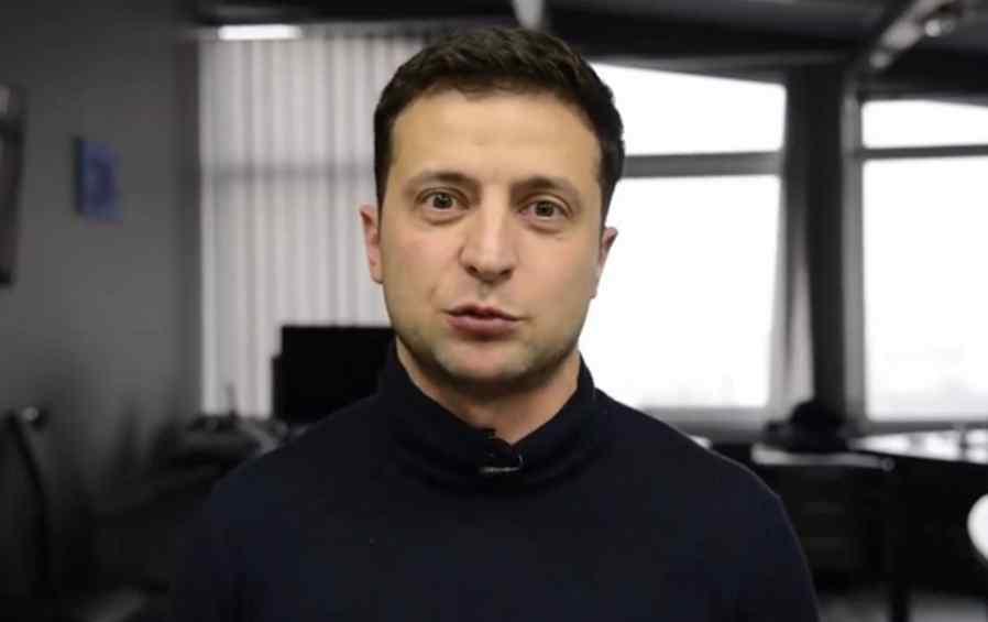 """""""Стати на коліна"""": Зеленського втягнули в новий скандал"""