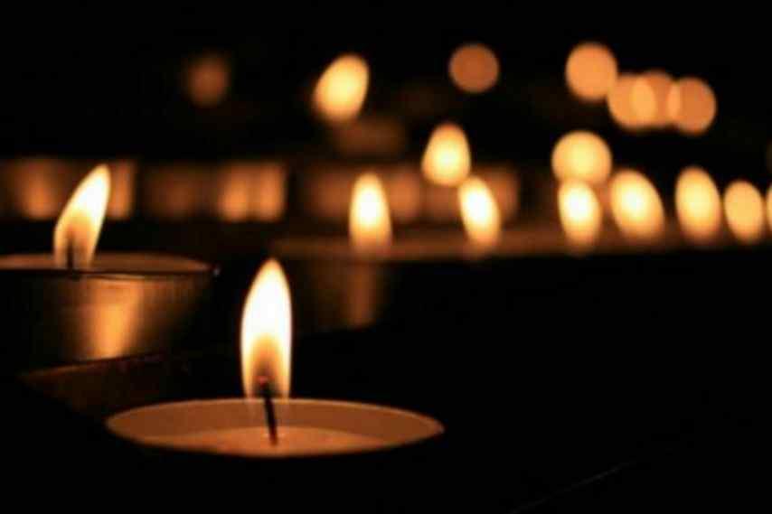 Поранили ножем на сцені: мер Гданська помер сьогодні у лікарні