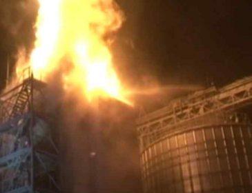 Вогонь стовпом: під Львовом спалахнула потужна пожежа на заводі