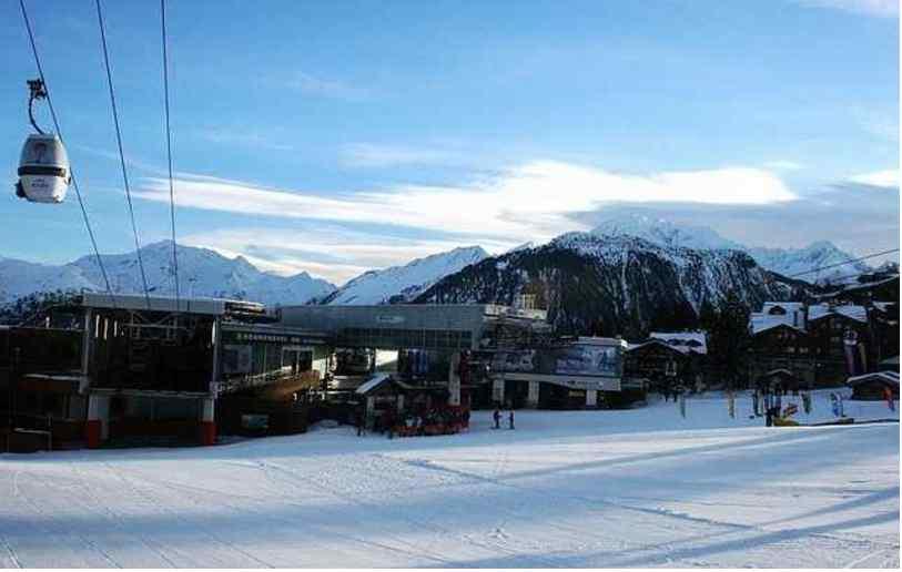 НС на популярному гірськолижному курорті:  кількість постраждалих зросла до 25 осіб, 2 загинуло