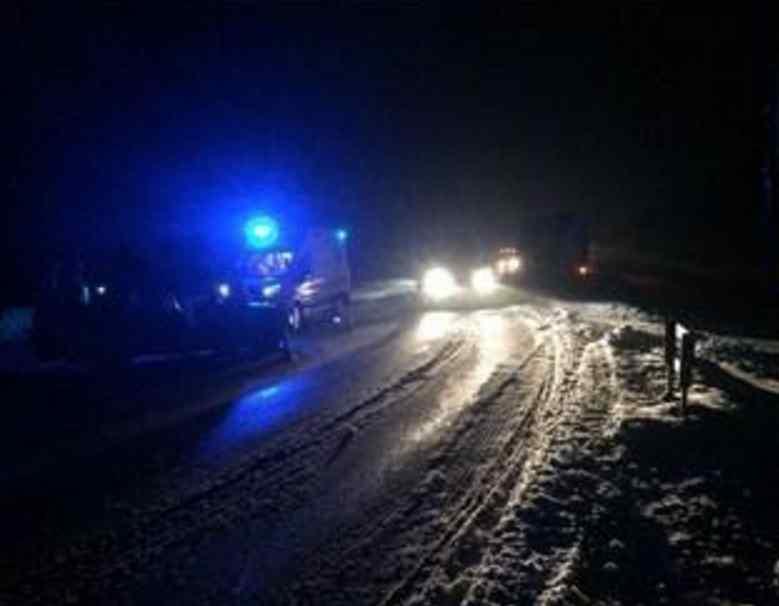 Під Києвом зіткнулись легковик і дві вантажівки: багато загиблих і поранених