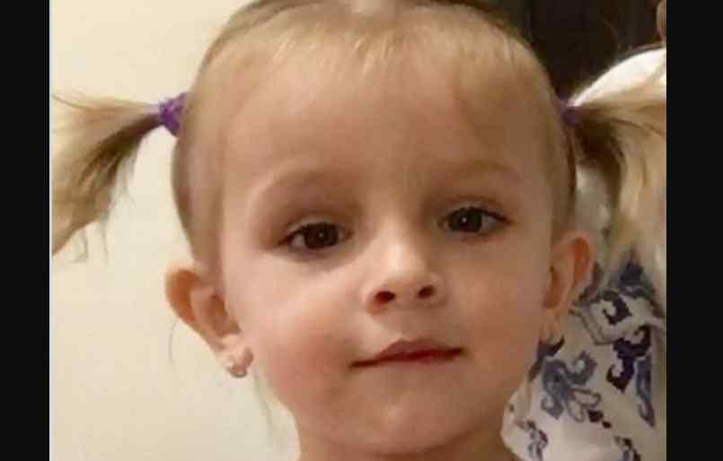 Дівчинка перенесла вже 5 операції: рідні Діанки просять небайдужих про допомогу