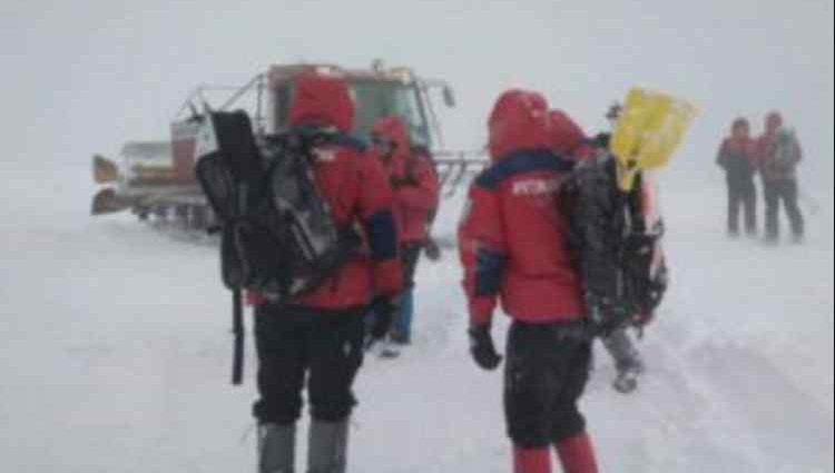 Його шукали в заметілях 4 дні: у Карпатах знайшли зниклого лижника