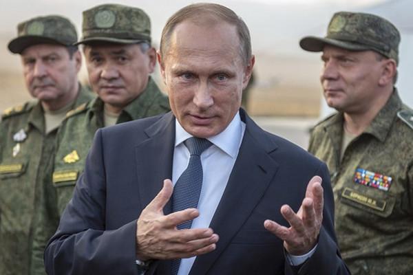 Експерт пояснив, що стримує Путіна від повномасштабного вторгнення в Україну