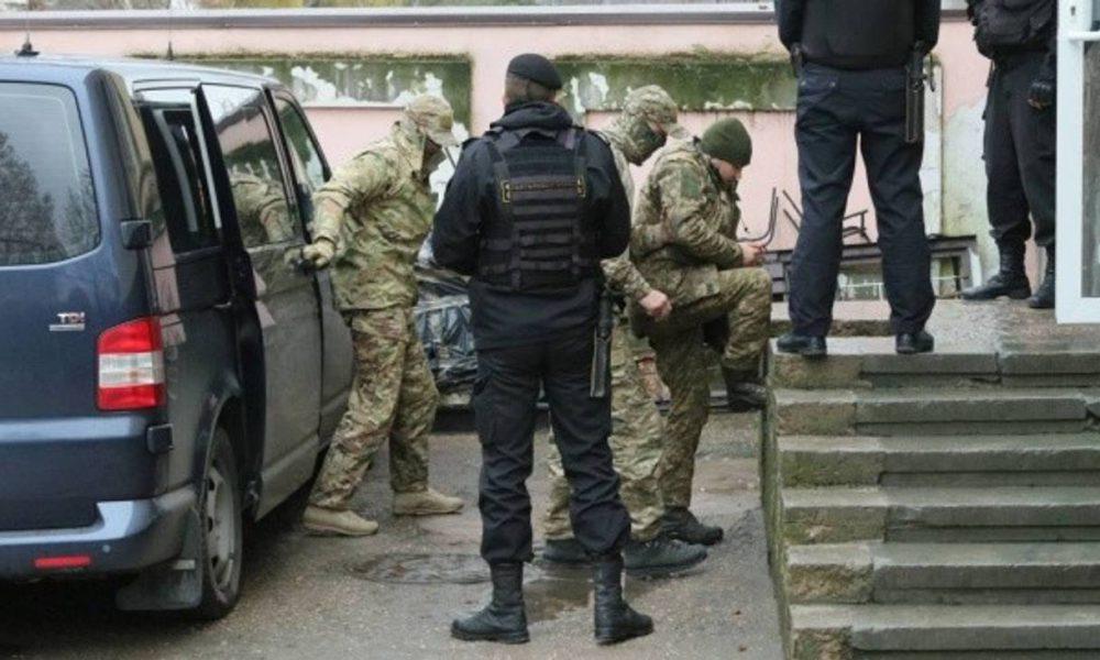 Війна на морі: з'явилися тривожні новини про українських моряків, захоплених РФ