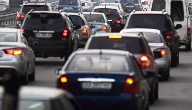 У Кабміні готують нові сюрпризи для водіїв: кому можуть заборонити сідати за кермо