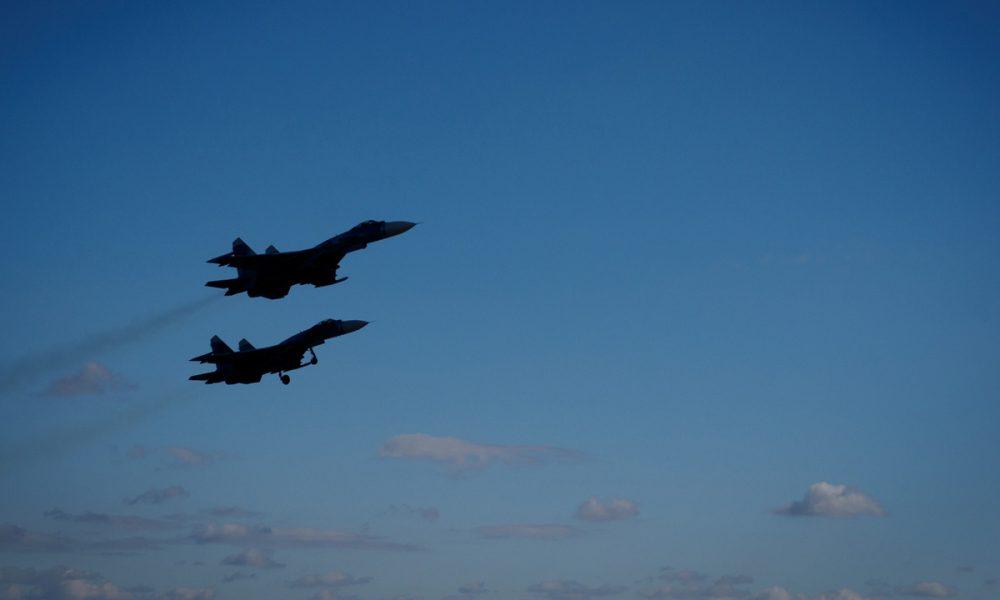 Україна по тривозі підняла бойову авіацію в небо над Донбасом