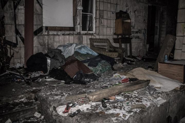 У Києві серед купи сміття виявили тіло чоловіка