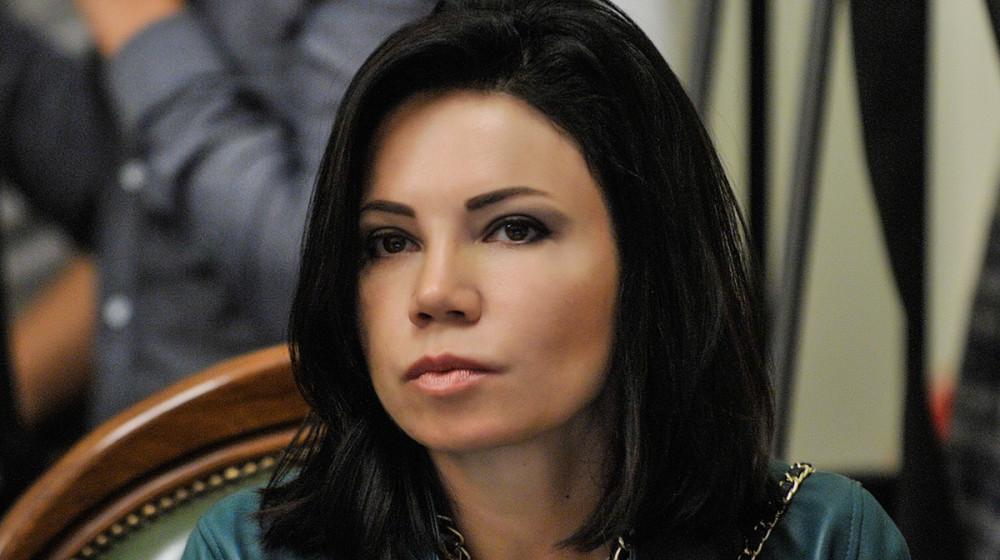 Вартістю в три «мінімалки»: Нардеп прийшла в парламент з сумочкою за 11 200 гривень