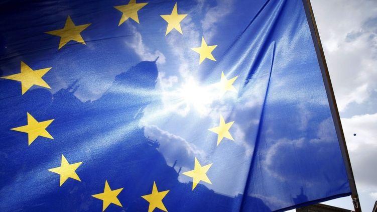 """""""Цього разу буде криваве побоїще"""": Журналіст повідомив про вирішальний момент у долі ЄС"""