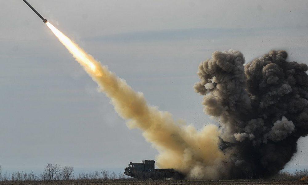 """На варті спокою! Українські військові освоїли надпотужне озброєння: """"Смерч"""" в дії"""