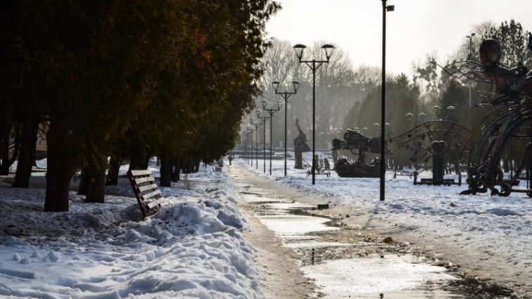 В Україні знову похолодає: синоптики розповіли прогноз погоди на початок тижня