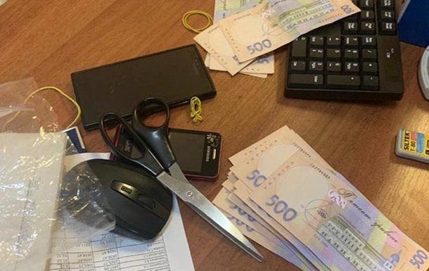 На хабарі 190 тисяч гривень: В Києві затримали заступника голови держпідприємства