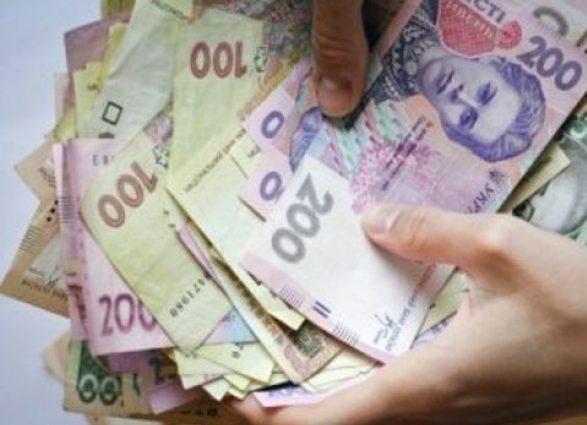 Щомісячно зможуть отримати практично 2,5 тис. грн.: українським батькам підвищать виплати на дитину