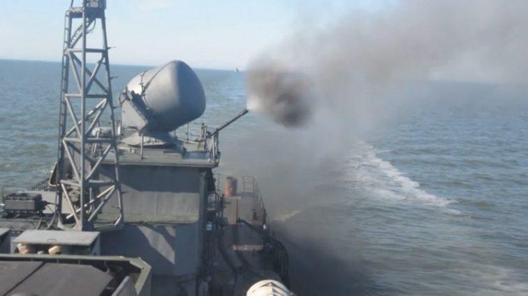 Росія випустила у Чорне море постріляти новий корабель