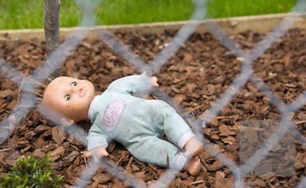 Запевняла що народила дитину мертвою, та вирішила похоронити на подвір'ї: З'явились подробиці трагедії на Хмельниччині