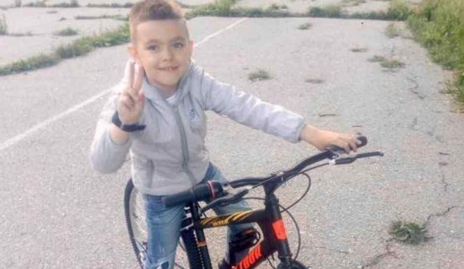 Звичайний перелом руки виявив онкологію у дитини:  допоможіть маленькому Яну одужати