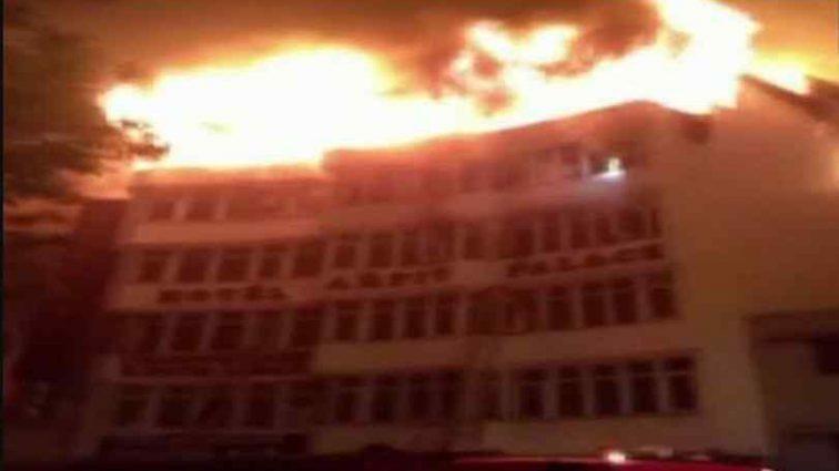 17 людей згоріли заживо: у столичному готелі сталася моторошна НП