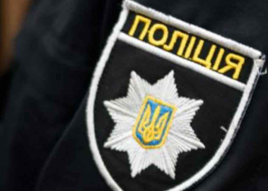 Їх зупинили за порушення: директор школи і фізрук побили патрульних поліцейських