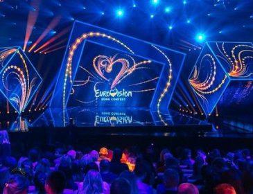 """Зірка шоу """"Євробачення"""" шокувала шанувальників, поголившись налисо"""