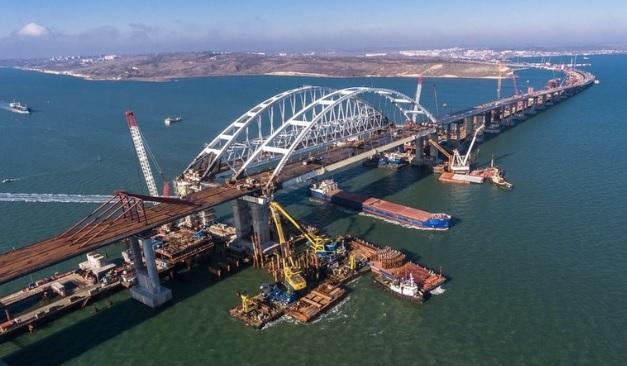 Та він і так рухне! Адмірал передрік руйнування Керченського мосту. Вистрілив – забув