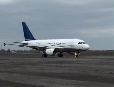 Літак з прем'єром на борту потрапив в аварію: перші подробиці НП
