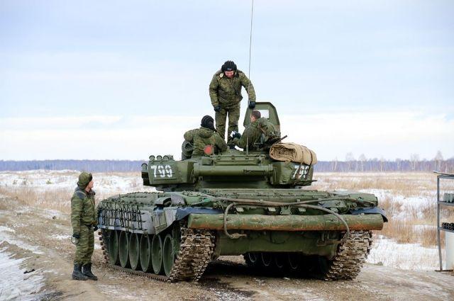 Забиті танками полігони: приголомшені спостерігачі розповіли про озброєння Росії на Сході
