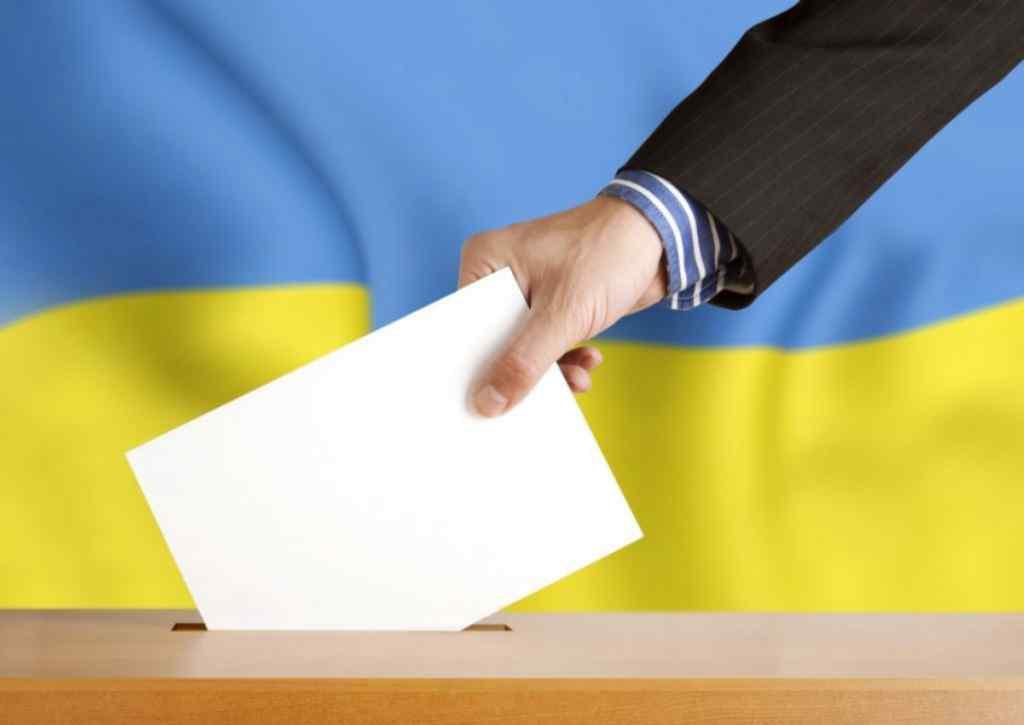 """""""Це ж мільйони голосів"""": Кому в Україні хочуть заборонити голосувати на виборах"""