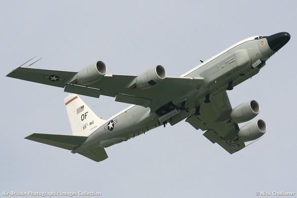 Американська авіація біля кордонів Росії! Небо під контролем