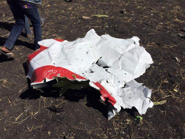 Страшна авіакатастрофа забрала життя 157 людей: з'явились кадри з місця трагедії