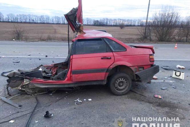 """""""Машину буквально розірвало навпіл"""": Жахлива аварія на Вінниччині забрала життя двох людей"""