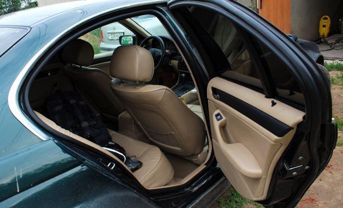 """""""З кулею у грудях"""": У власному авто знайшли мертвим відомого українського чиновника"""
