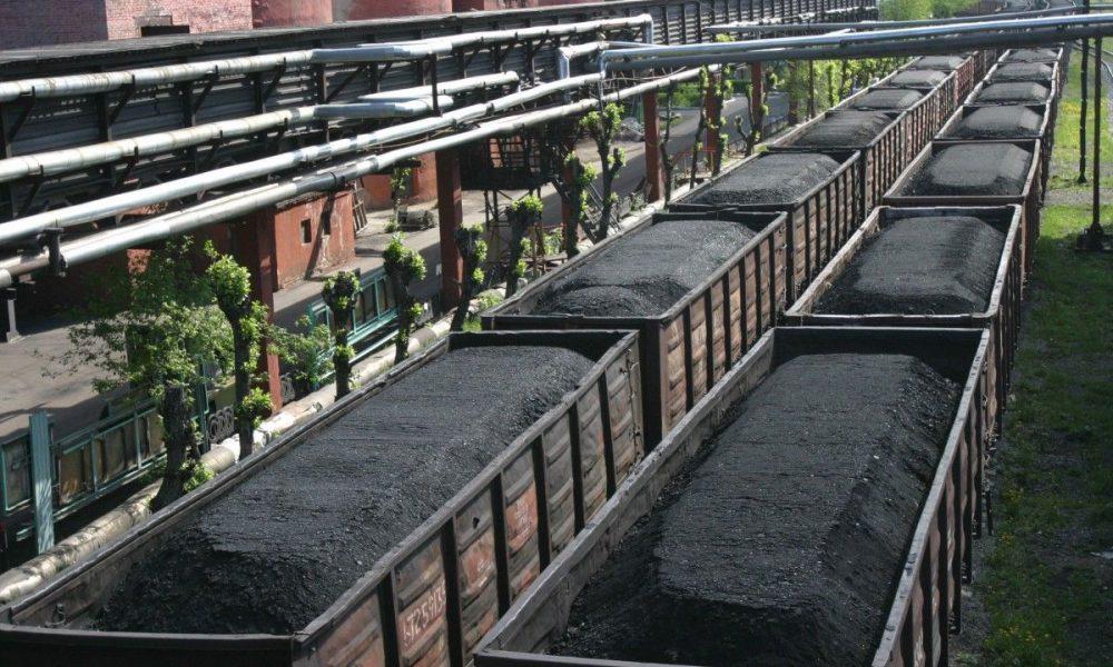 Нечуваний скандал: Білорусь продає Україні вугілля з окупованого Донбасу, – ЗМІ